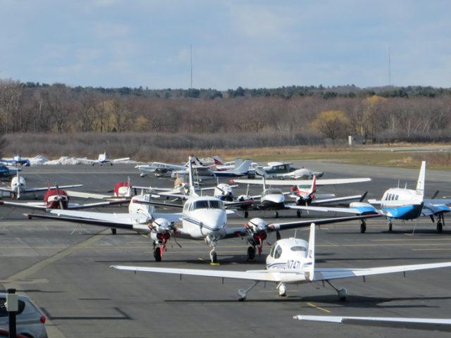 0408_airport-planes-crop