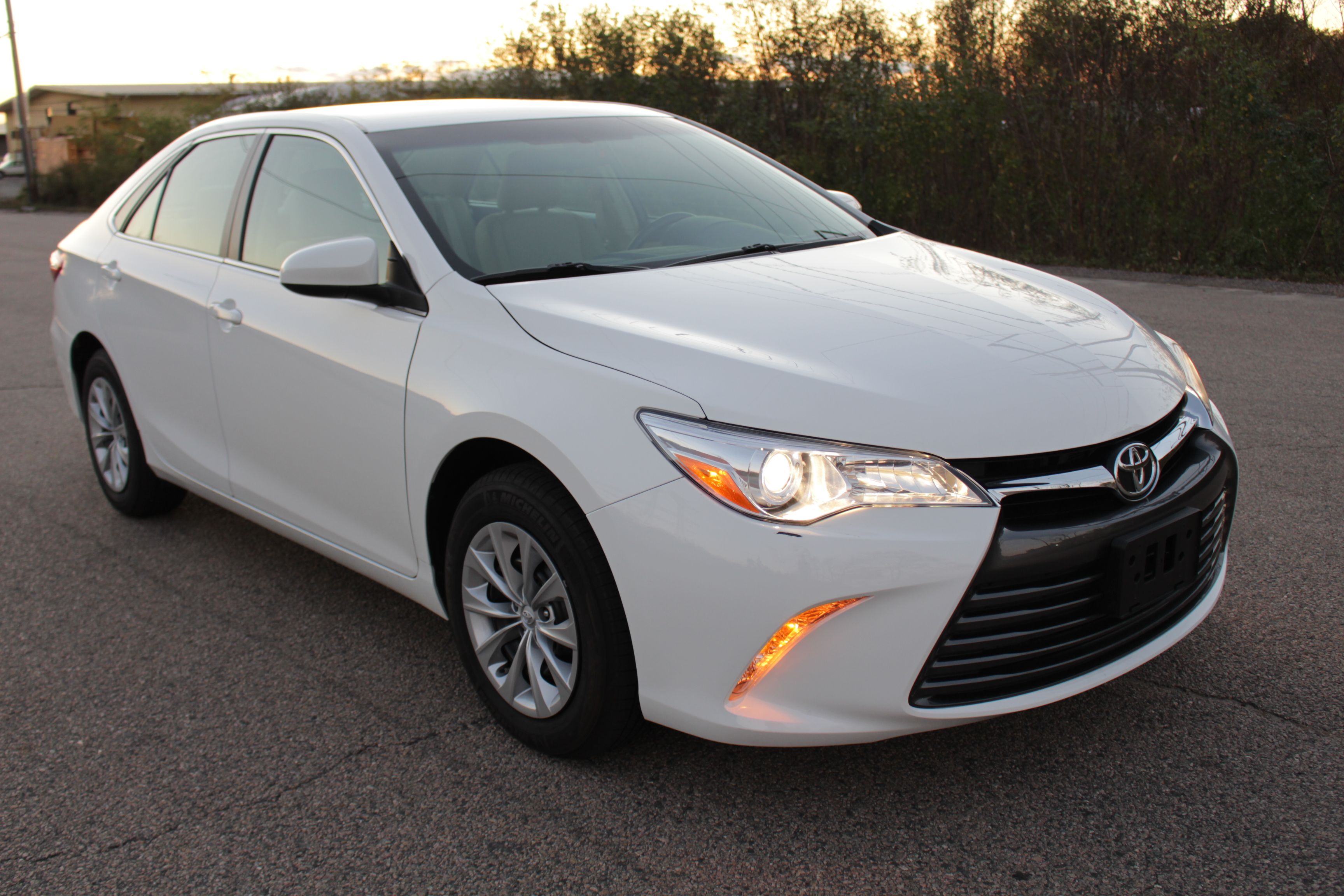 es everybody luxury toyota lexus miller vs for camry xle